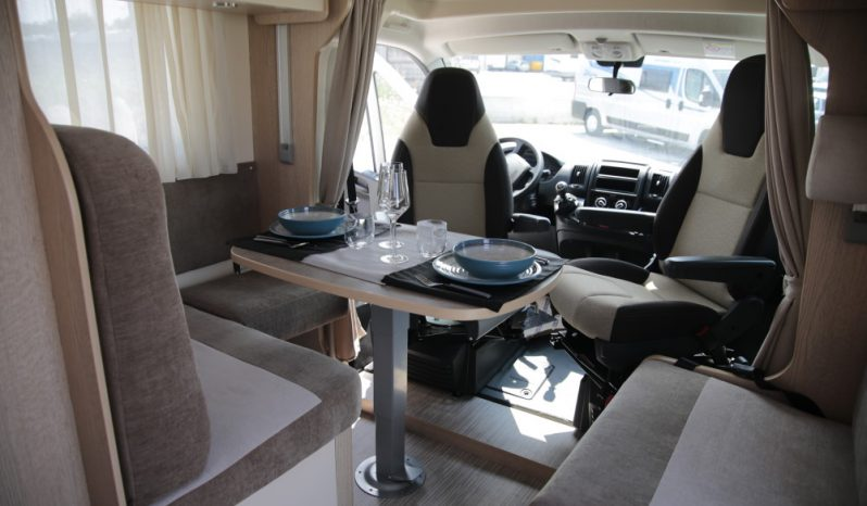 Autocaravana Blucamp Fly 27 S lleno